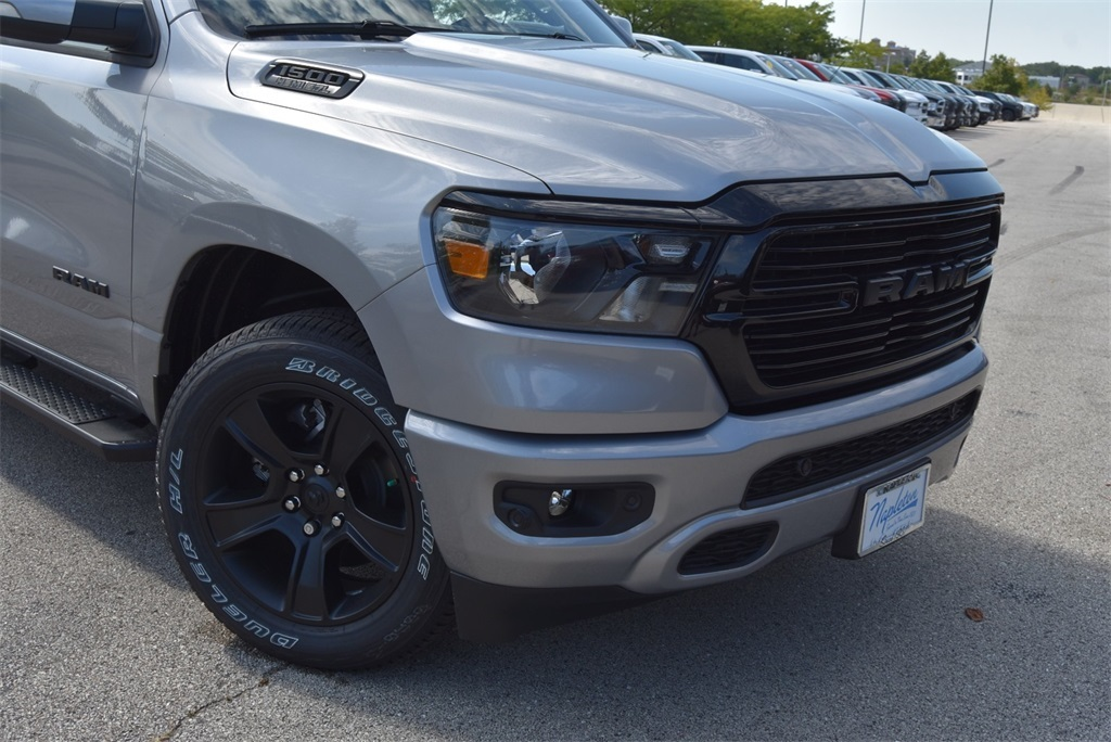 2020 Ram 1500 Crew Cab 4x4, Pickup #LN147218 - photo 3