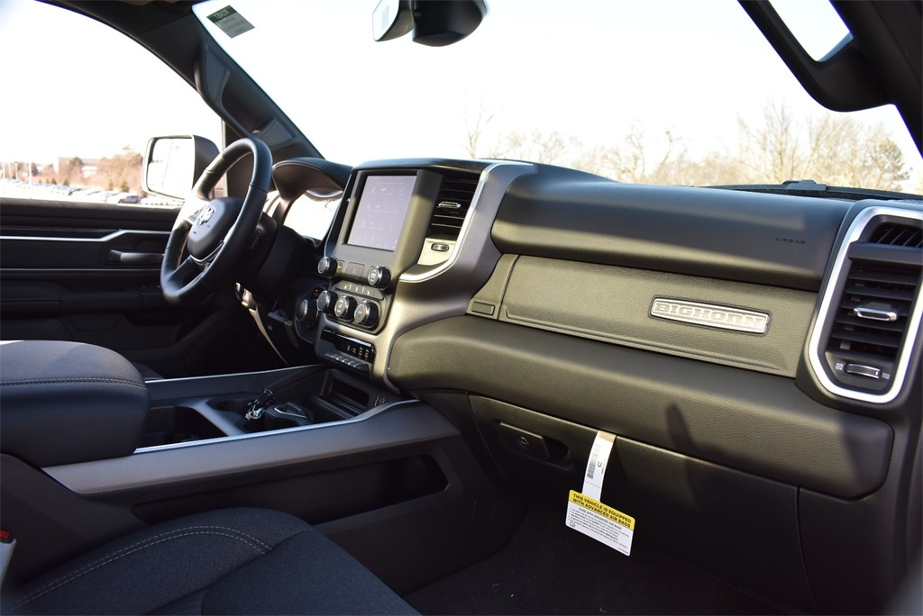 2020 Ram 1500 Crew Cab 4x4, Pickup #R2457 - photo 10