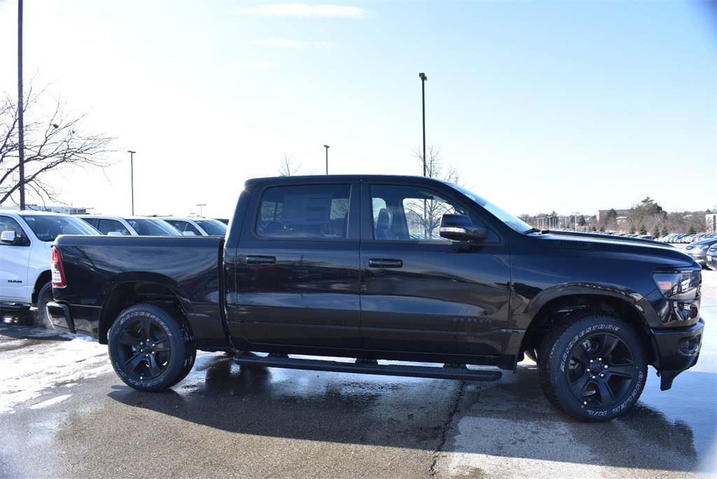 2020 Ram 1500 Crew Cab 4x4, Pickup #R2463 - photo 4