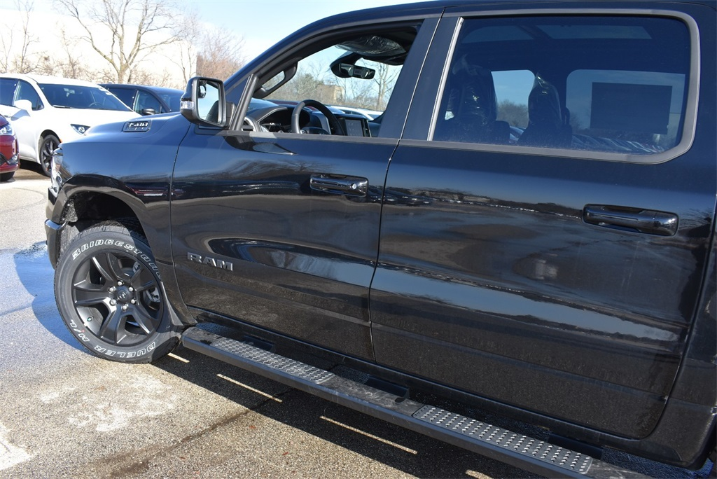 2020 Ram 1500 Crew Cab 4x4, Pickup #R2463 - photo 5
