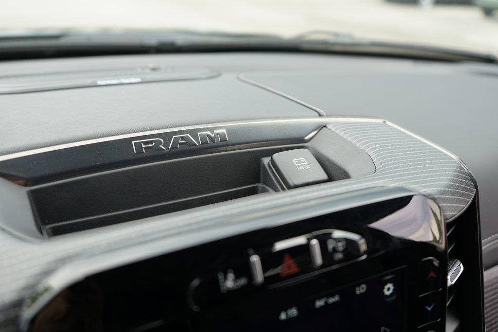 2020 Ram 1500 Crew Cab 4x4, Pickup #R2482 - photo 29