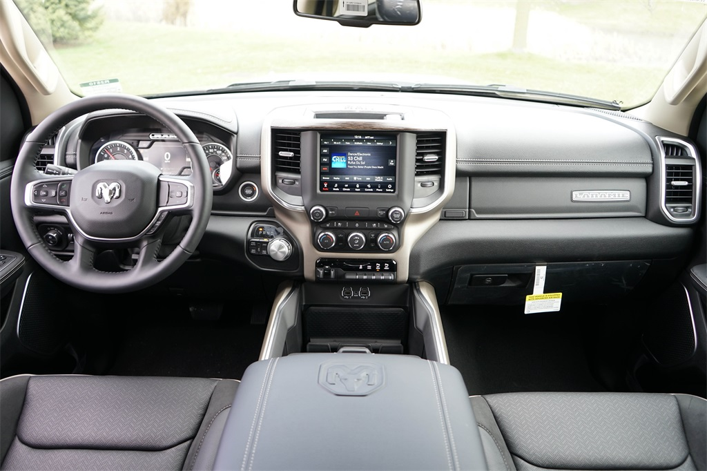 2020 Ram 1500 Crew Cab 4x4, Pickup #R2510 - photo 17