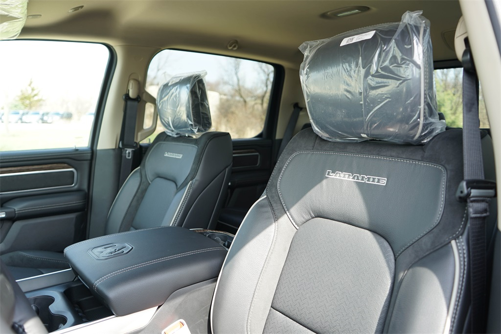 2020 Ram 1500 Crew Cab 4x4, Pickup #R2510 - photo 20