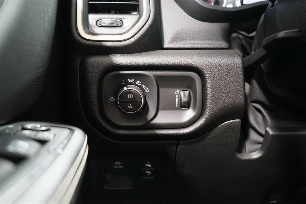 2020 Ram 1500 Crew Cab 4x4, Pickup #R2709 - photo 21