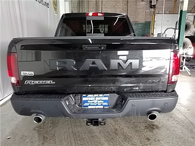 2018 Ram 1500 Crew Cab 4x4, Pickup #213863 - photo 4