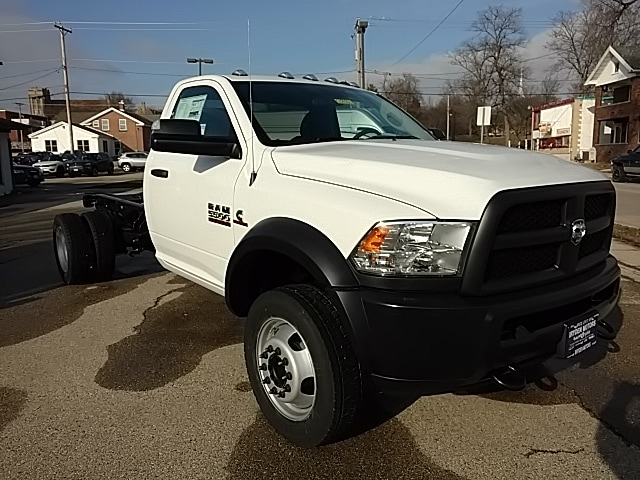 2018 Ram 5500 Regular Cab DRW, Cab Chassis #G185821 - photo 17