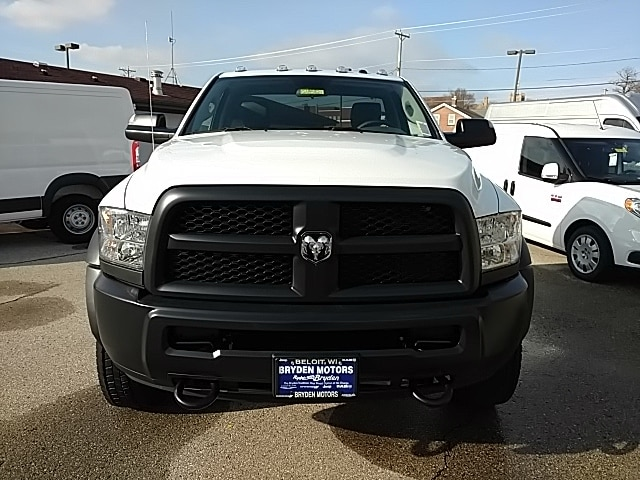 2018 Ram 5500 Regular Cab DRW, Cab Chassis #G185821 - photo 18