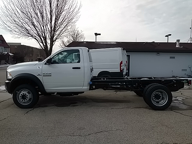 2018 Ram 5500 Regular Cab DRW, Cab Chassis #G185821 - photo 5