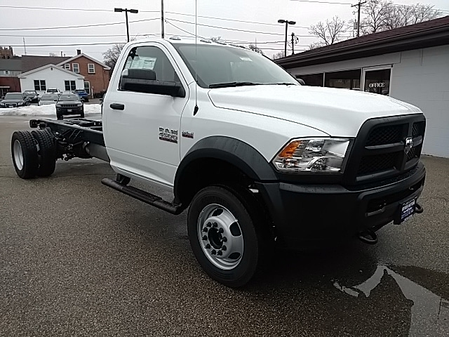 2018 Ram 4500 Regular Cab DRW 4x4, Cab Chassis #G214204 - photo 3