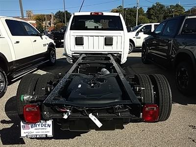 2018 Ram 5500 Regular Cab DRW 4x2,  Cab Chassis #G352260 - photo 3