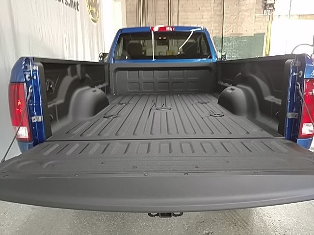 2017 Ram 3500 Regular Cab 4x4, Pickup #G697757 - photo 5