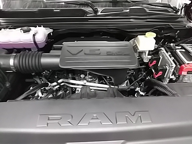 2019 Ram 1500 Crew Cab 4x4,  Pickup #N672794 - photo 6