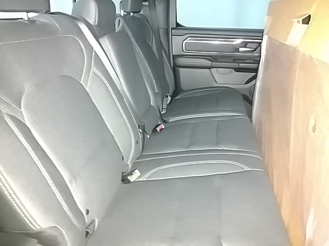 2019 Ram 1500 Crew Cab 4x4,  Pickup #N681416 - photo 10