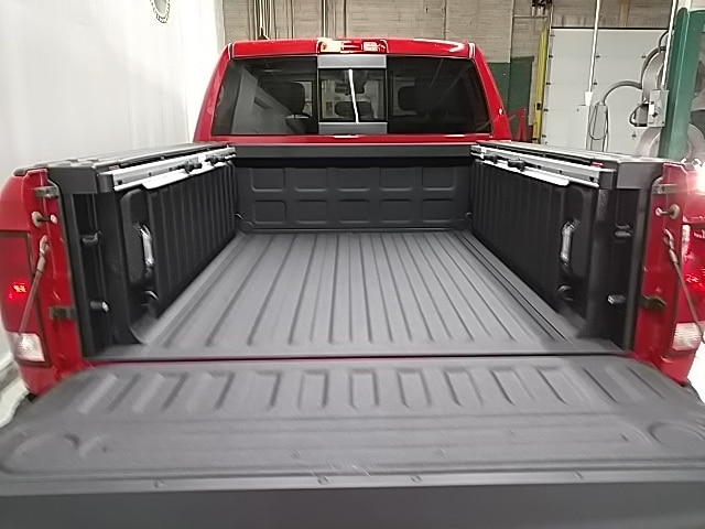 2018 Ram 1500 Crew Cab 4x4 Pickup #S167850 - photo 5