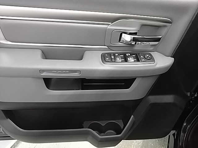 2018 Ram 1500 Crew Cab 4x4,  Pickup #S316113 - photo 13
