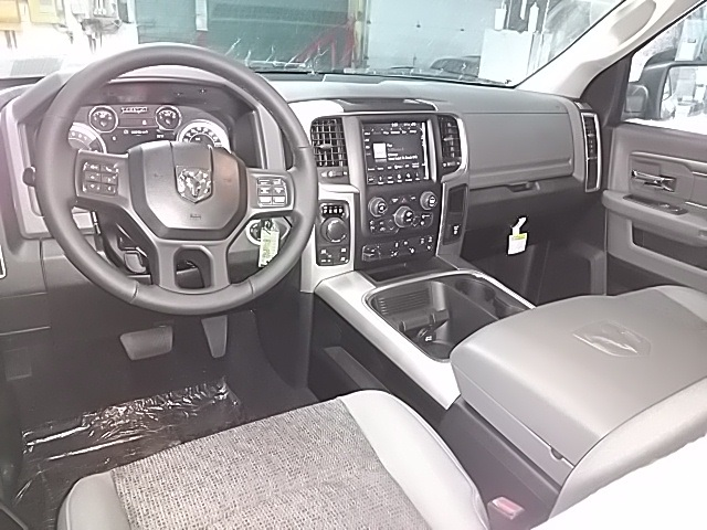 2019 Ram 1500 Crew Cab 4x4,  Pickup #S533481 - photo 13