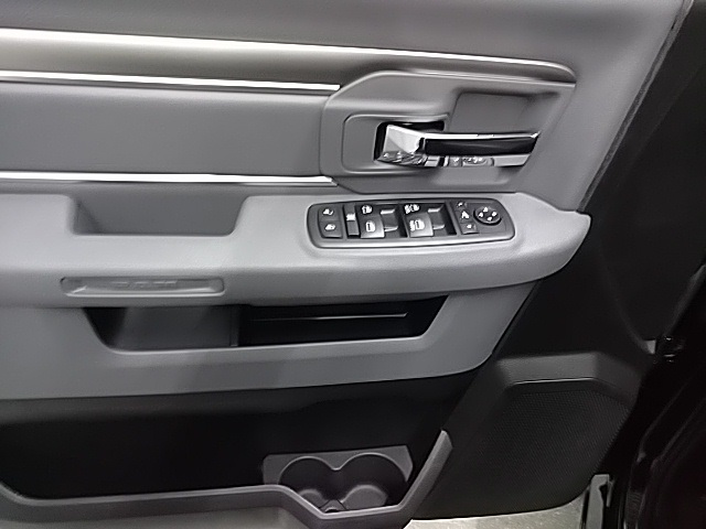 2019 Ram 1500 Crew Cab 4x4,  Pickup #S533481 - photo 15
