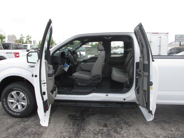 2018 F-150 Super Cab 4x4,  Pickup #1884 - photo 17