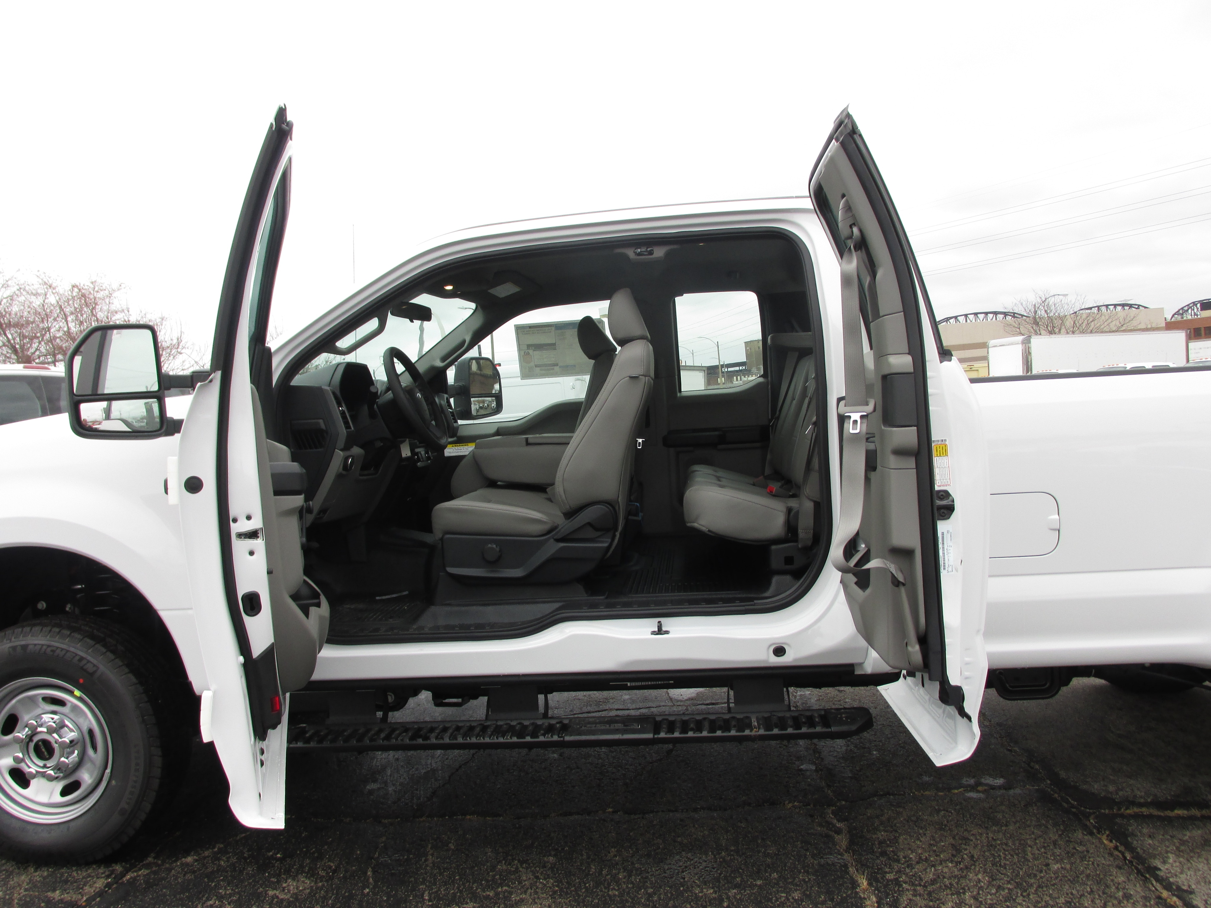 2018 F-250 Super Cab 4x4, Pickup #3370 - photo 15