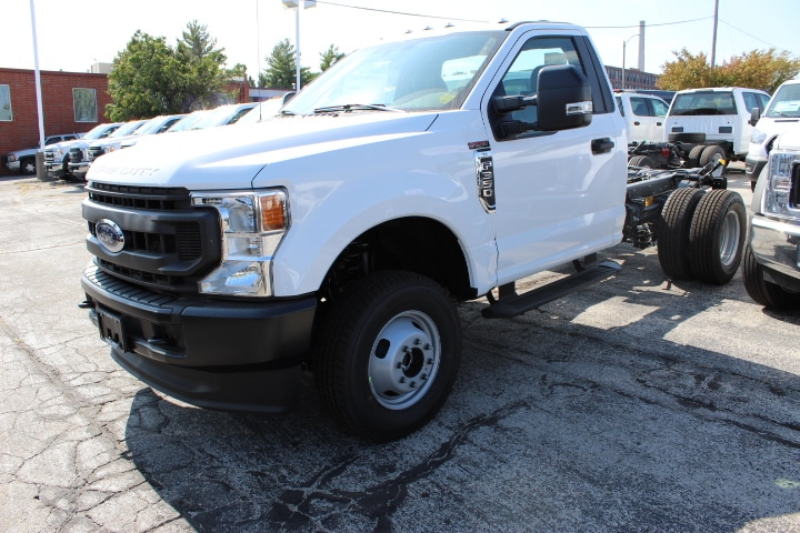 2020 Ford F-350 Regular Cab DRW 4x4, Cab Chassis #3676 - photo 1