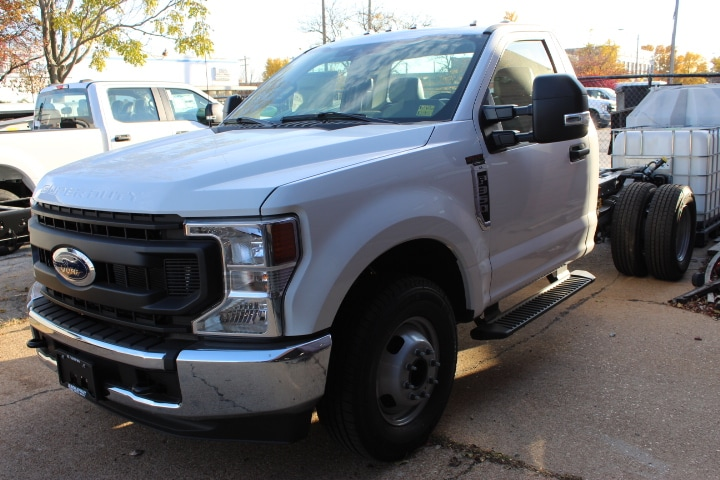 2020 Ford F-350 Regular Cab DRW 4x2, Cab Chassis #3699 - photo 1