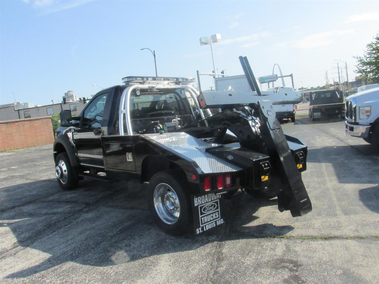 2020 Ford F-450 Regular Cab DRW 4x4, Miller Industries Wrecker Body #4067 - photo 1