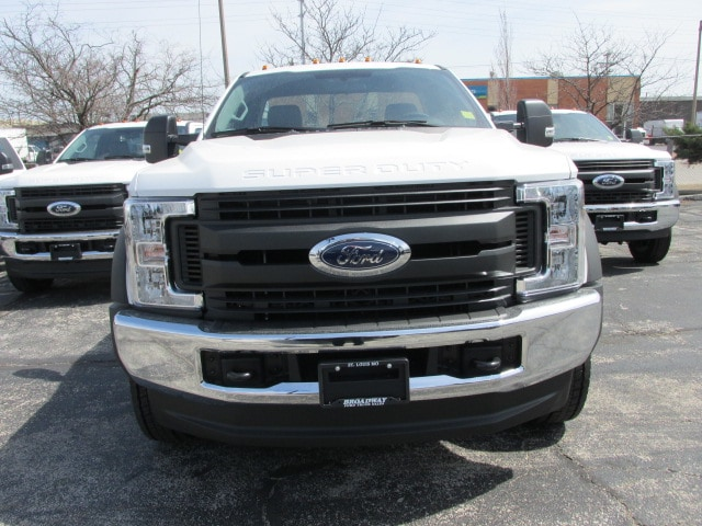 2018 F-550 Regular Cab DRW 4x4,  Cab Chassis #4793 - photo 3