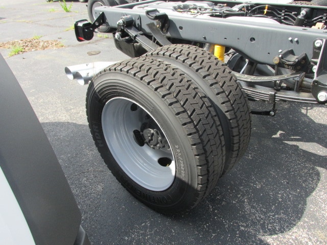 2018 F-450 Regular Cab DRW 4x2,  Cab Chassis #4819 - photo 7
