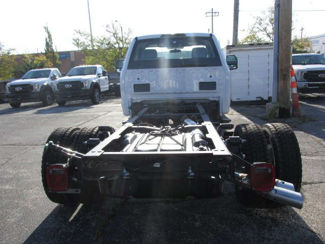 2019 F-550 Regular Cab DRW 4x2,  Cab Chassis #4862 - photo 2