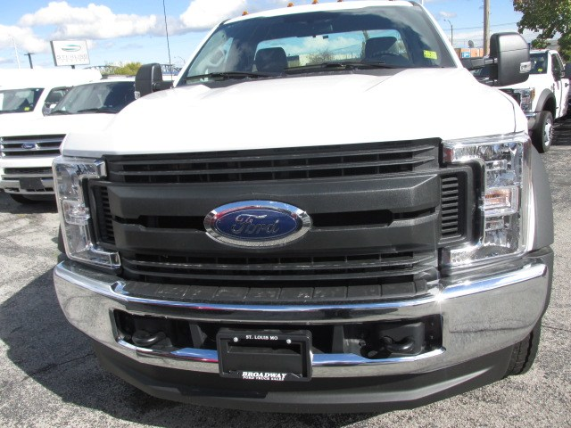2019 F-550 Regular Cab DRW 4x4,  Cab Chassis #4867 - photo 3