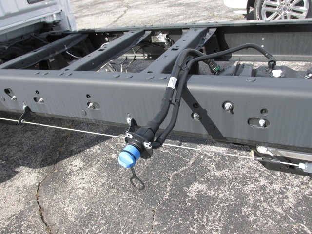 2019 F-550 Regular Cab DRW 4x4,  Cab Chassis #4867 - photo 9