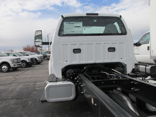 2019 F-750 Regular Cab DRW 4x2,  Cab Chassis #5013 - photo 9