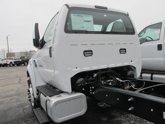 2019 F-650 Regular Cab DRW 4x2,  Cab Chassis #5019 - photo 9
