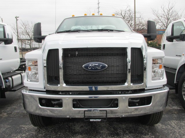 2019 F-750 Regular Cab DRW 4x2,  Cab Chassis #5020 - photo 3