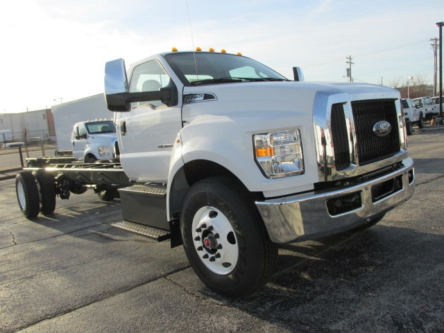 2019 F-750 Regular Cab DRW 4x2,  Cab Chassis #5021 - photo 4