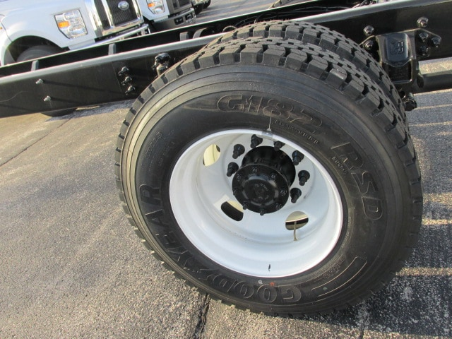 2019 F-750 Regular Cab DRW 4x2,  Cab Chassis #5021 - photo 6
