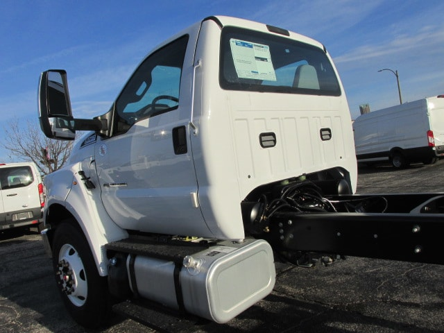 2019 F-750 Regular Cab DRW 4x2,  Cab Chassis #5021 - photo 8