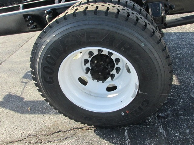 2019 F-650 Regular Cab DRW 4x2,  Cab Chassis #5023 - photo 6