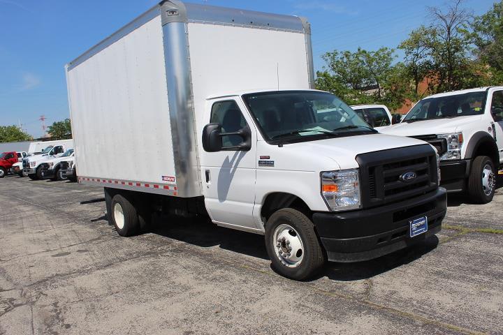 2022 Ford E-350 4x2, Cutaway #525 - photo 1