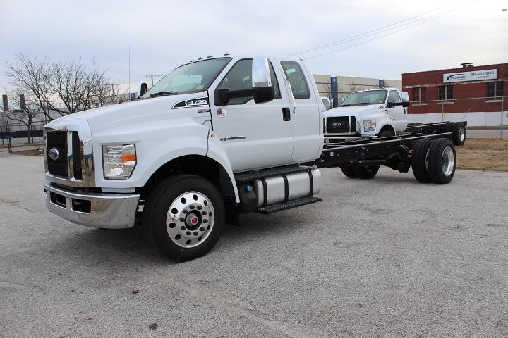 2021 Ford F-750 Super Cab DRW 4x2, Cab Chassis #5271 - photo 1