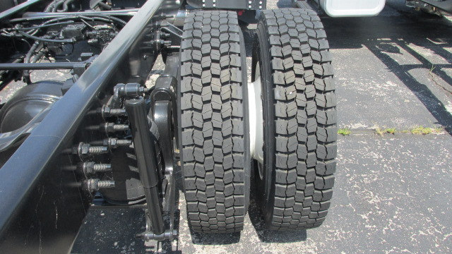 2016 F-750 Regular Cab DRW, Cab Chassis #5507 - photo 10
