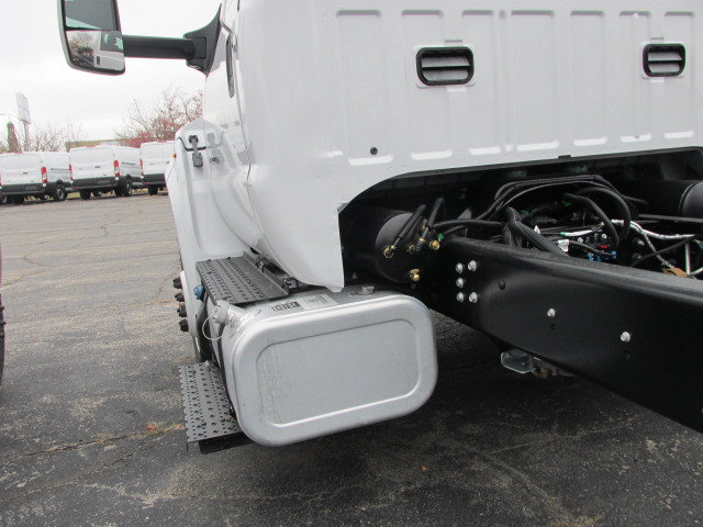 2017 F-750 Regular Cab, Cab Chassis #5938 - photo 9