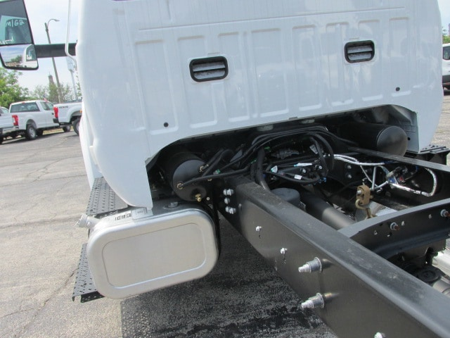 2018 F-750 Regular Cab DRW 4x2,  Cab Chassis #5967 - photo 10