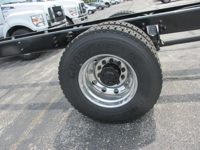 2018 F-750 Regular Cab DRW 4x2,  Cab Chassis #5967 - photo 7