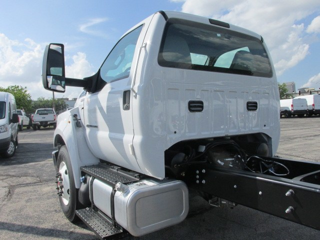 2018 F-750 Regular Cab DRW 4x2,  Cab Chassis #5968 - photo 4