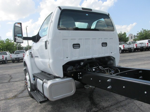 2018 F-750 Regular Cab DRW 4x2,  Cab Chassis #5969 - photo 6