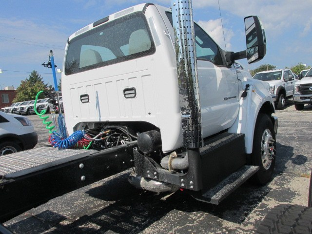 2018 F-750 Regular Cab DRW 4x2,  Cab Chassis #5988 - photo 6