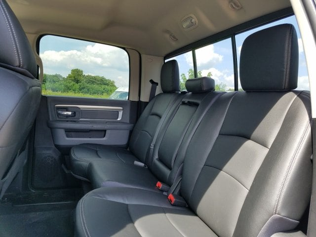 2017 Ram 1500 Crew Cab 4x4 Pickup #1743092 - photo 18