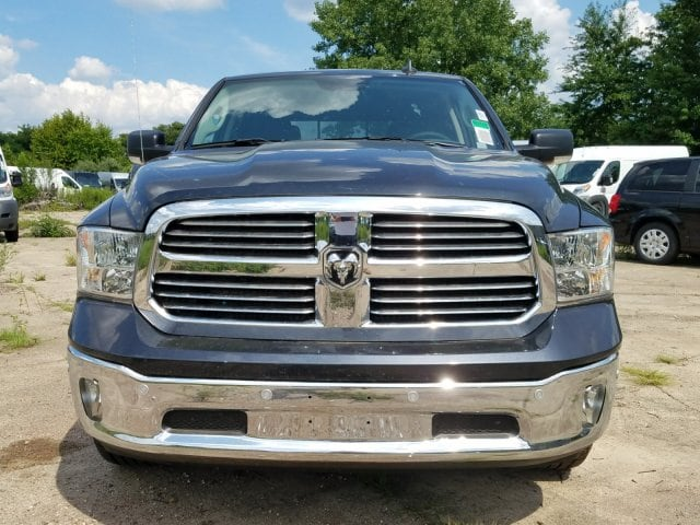 2017 Ram 1500 Crew Cab 4x4 Pickup #1743092 - photo 3