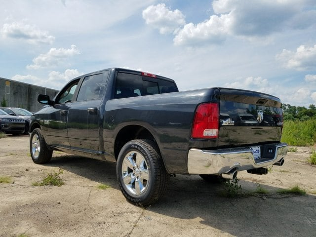 2017 Ram 1500 Crew Cab 4x4 Pickup #1743092 - photo 20